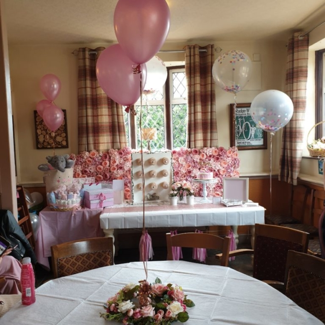 Balloons table decor cake table display